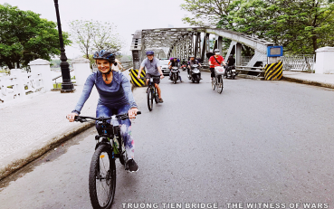 Hue city tour by bicycles